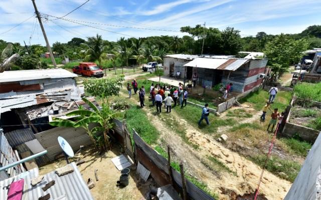 Evacúan una comunidad en Tabasco tras hallazgo de petróleo en una casa - petróleo Tabasco