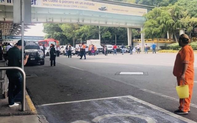 Bloqueos al AICM y Río Churubusco; familiares de niños con cáncer demandan medicamentos - AICM bloqueo