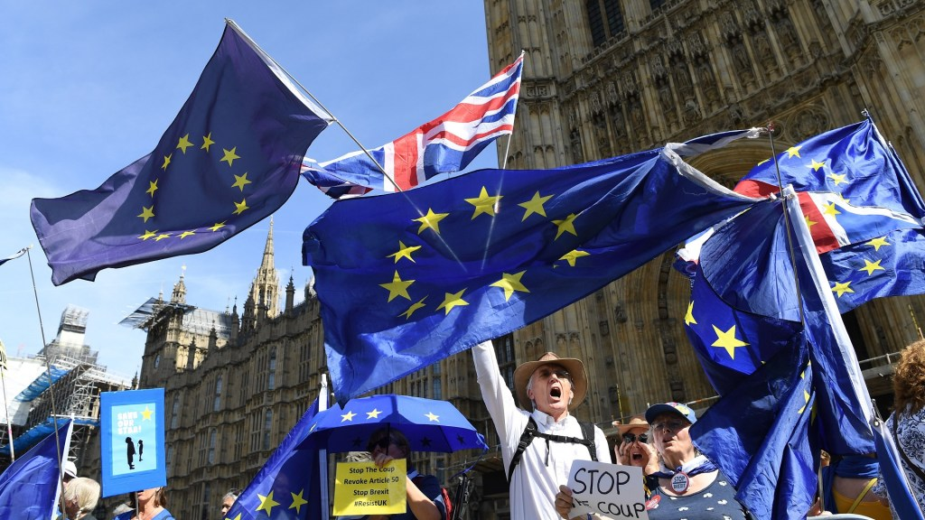 Un mes de Brexit corroe la relación entre Reino Unido y la Unión Europea - Brexit. Foto de EFE