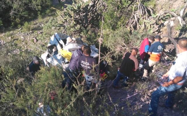 Camioneta cae a barranco en Zimapán, Hidalgo; entre seis y ocho muertos - camioneta