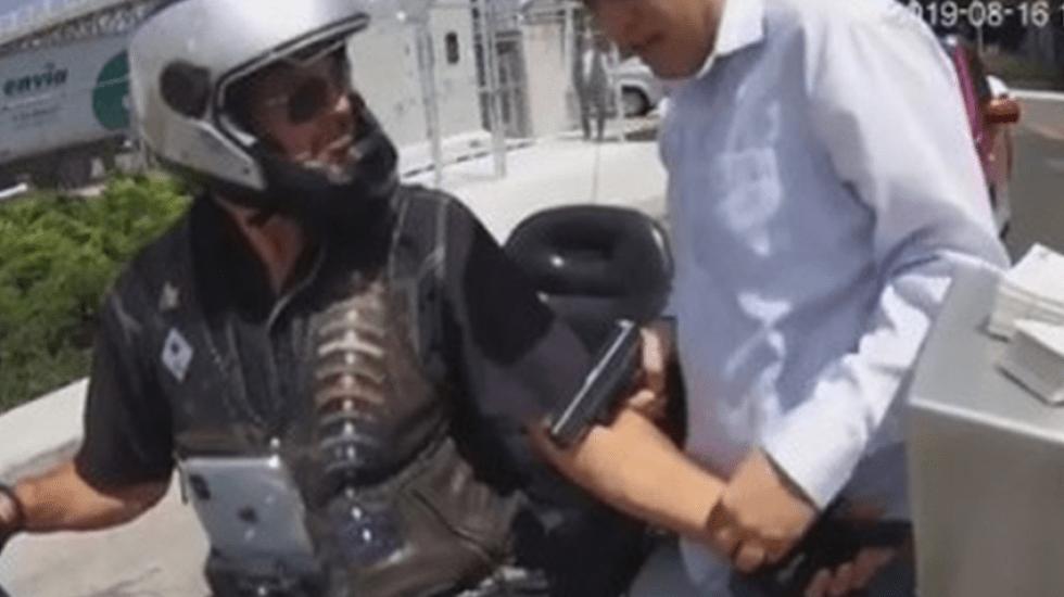 Asaltan a motociclista en la entrada del Costco de Puebla