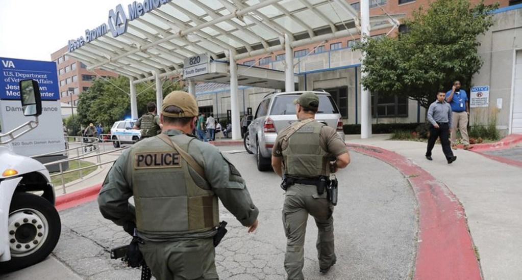 Detienen a hombre armado en hospital de Chicago - Foto de Chicago Tribune