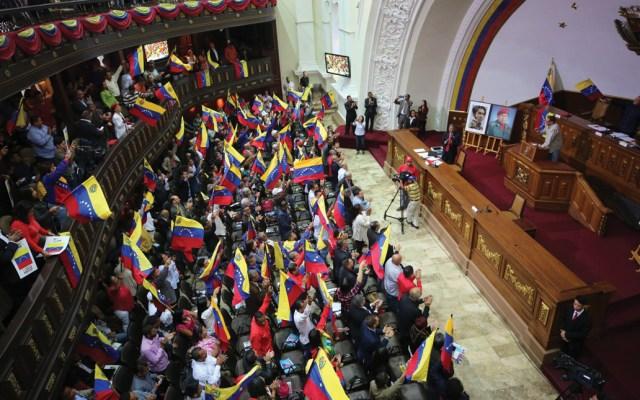 Retiran inmunidad a cuatro diputados para enjuiciarlos en Venezuela - Foto de EFE