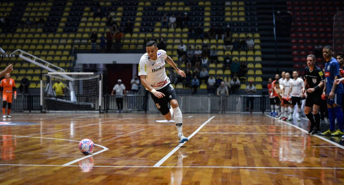 Asesinan a tiros a jugador de futbol sala del Corinthians