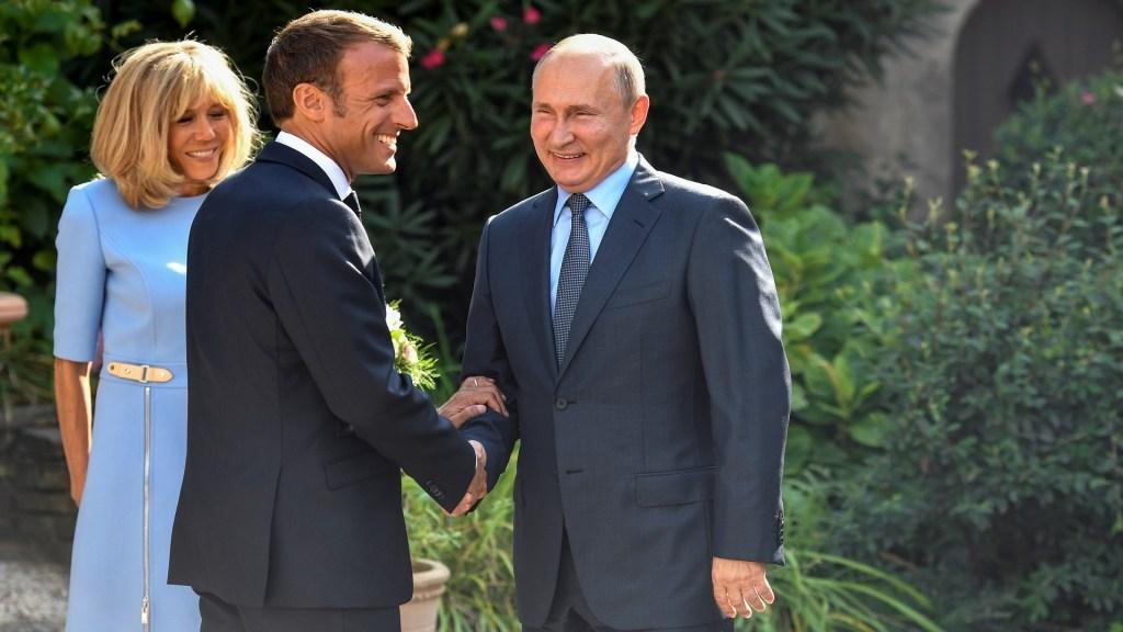 Emmanuel Macron se reúne con Vladimir Putin - Emmanuel Macron recibió en el Fuerte de Brégançon a Vladimir Putin. Foto de EFE