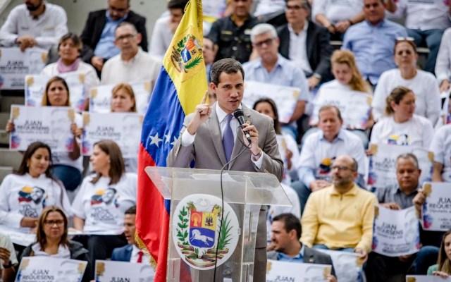 """Guaidó denuncia que Maduro pretende """"disolver el Parlamento"""" - Foto de @jguaido"""