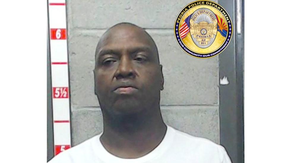 Arrestan a entrenador de básquetbol por 28 delitos sexuales en EE.UU. - Holland Woods entrenador abuso sexual