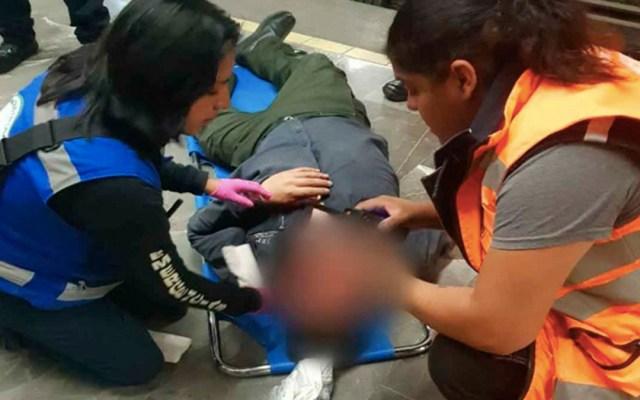 Metro golpea a hombre en la cabeza en la estación Coyoacán - hombre golpeado en la cabeza metro coyoacán