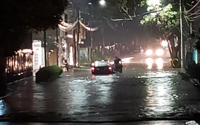 Pronostican lluvias muy fuertes en el Valle de México - Inundación en Xochimilco. Foto de @JeZziief