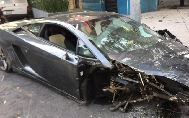 Lamborghini chocado en la Roma fue robado en Jalisco - Lamborghini chocado en la colonia Roma. Foto de @automovilonline