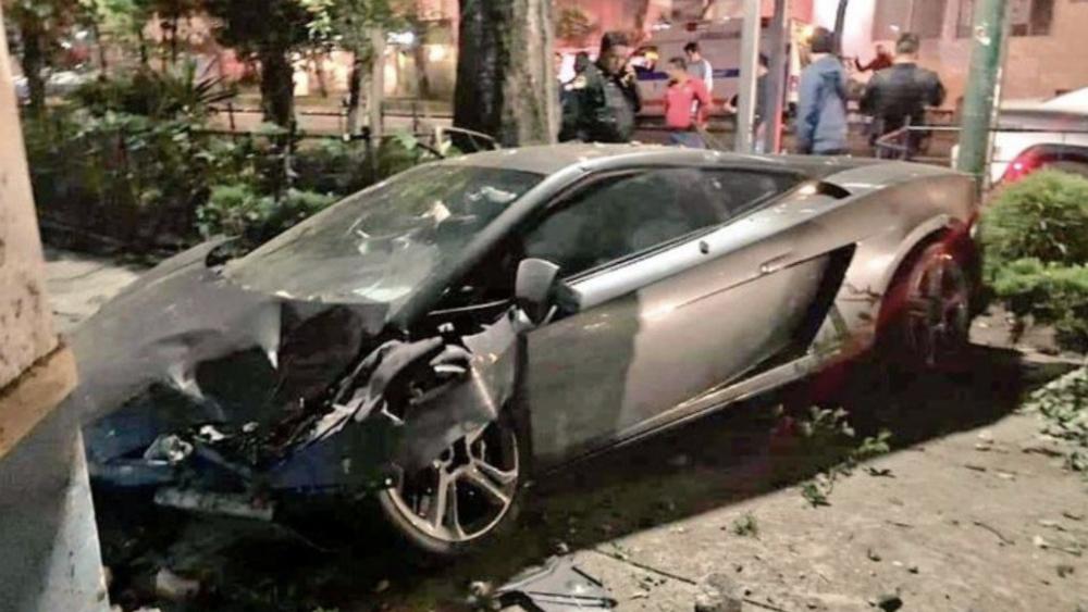 Procuraduría abre investigación por Lamborghini abandonado en la Roma - Foto de Foro TV