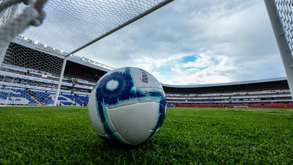 Descartan paro en la Liga MX por adeudos del Veracruz - Liga MX balón