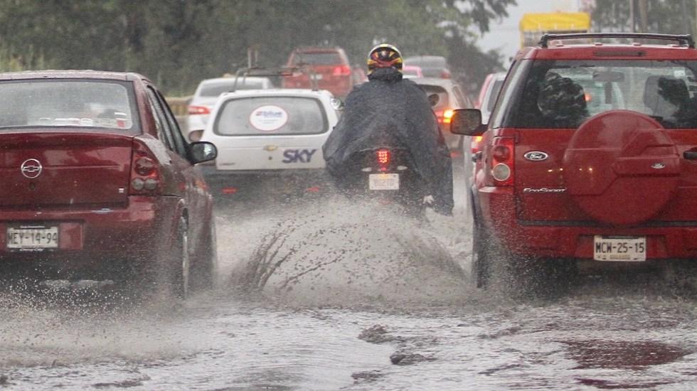 Alerta Amarilla por lluvia y granizo en cinco alcaldías de la Ciudad de México - Encharcamientos en la CDMX. Foto de Notimex-Guillermo Granados.