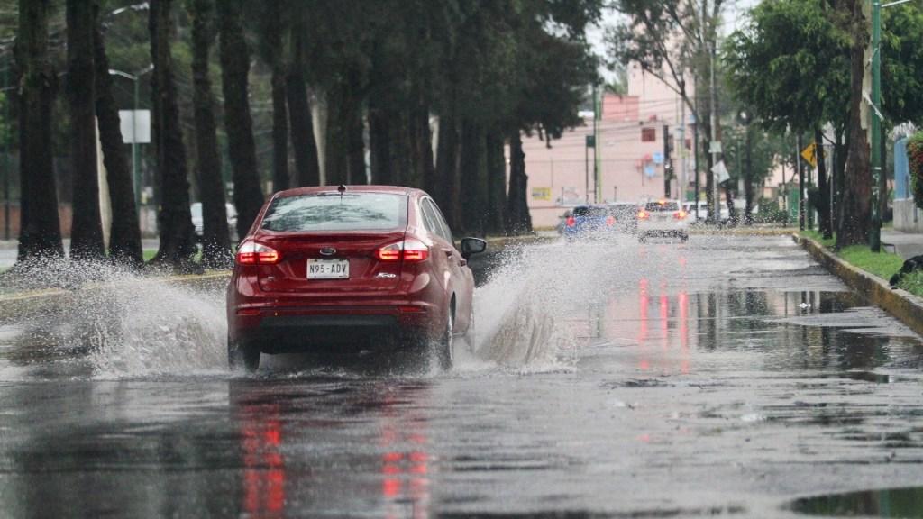 Tormenta tropical 'Ivo' provocará lluvias en varios estados del país - Lluvia en la CDMX. Foto de Notimex