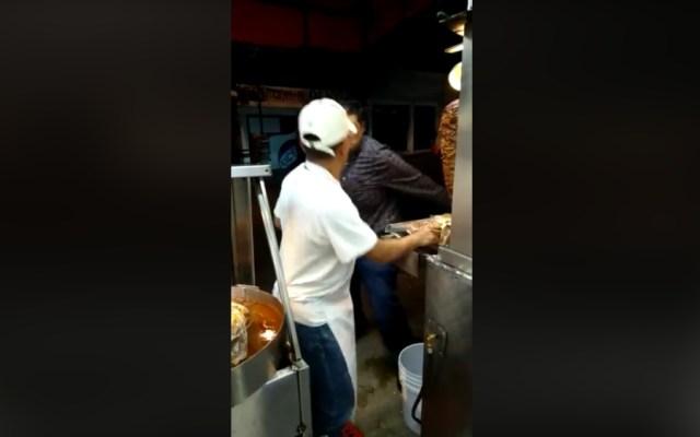 #Video Hombre agrede a taquero en Tlalpan - lordtacos tlalpan