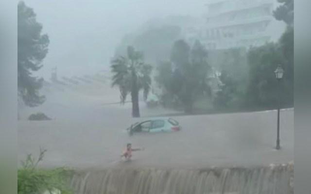 #Video Mujer queda varada en auto y nada para salvar su vida en Mallorca - Mallorca