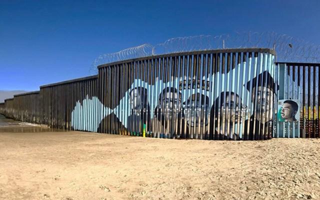 Mural interactivo en muro fronterizo retrata la realidad de 'dreamers' - Mural en muro fronterizo de EEUU y México. Foto de Liz Santana