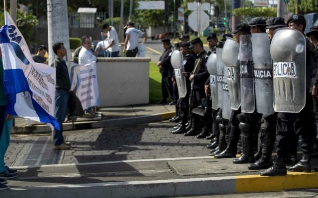 Médicos de Nicaragua protestan contra Ortega a pesar de operativo policial - Foto de EFE