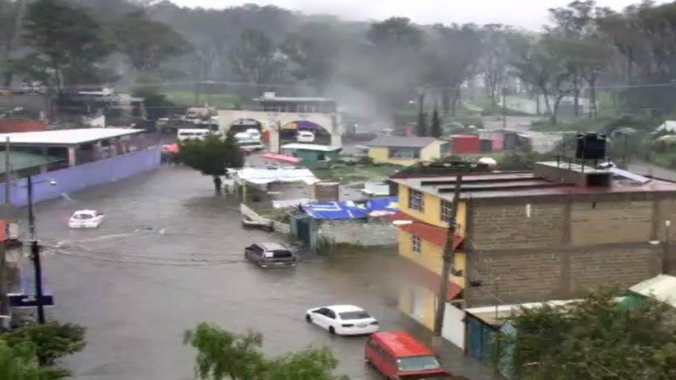 Lluvias provocan desborde de río en Nicolás Romero. Noticias en tiempo real
