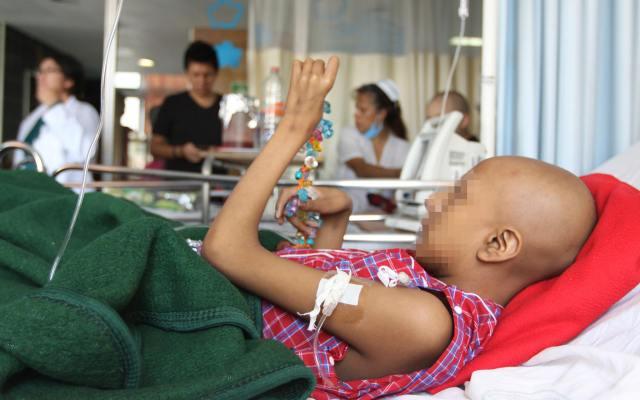 Deben imperar mensajes positivos en lucha contra el cáncer: experto - niño con cáncer