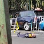 #Video Conductor noquea a policía por corte vial del Maratón CDMX