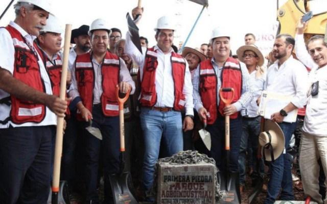 Buscan pacificar a La Huacana con parque agroindustrial - Foto de @CarlosHerreraSi