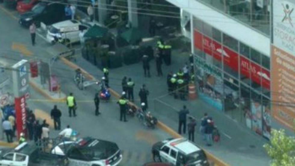 #Video Matan a policía durante asalto a cuentabiente en Espacio Interlomas - Plaza espacio interlomas balacera