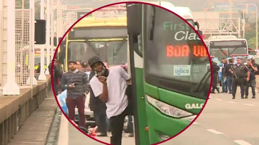 Policía de Brasil abate a hombre que tomó rehenes en autobús - Secuestrador de autobús. Foto de Globo News