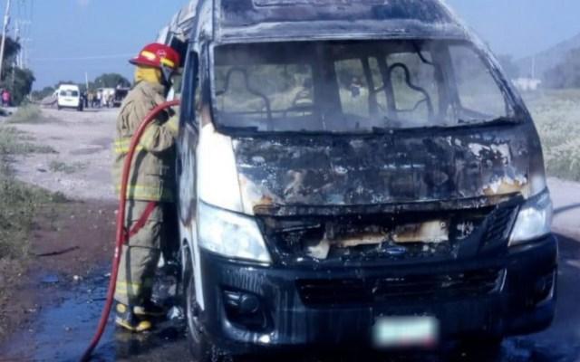 Hombres armados queman otra unidad de transporte en Edomex - Foto de Hoy Estado de México