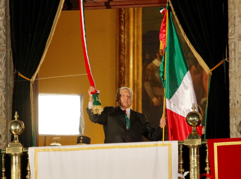Andrés Manuel López Obrador encabezó el tradicional Grito