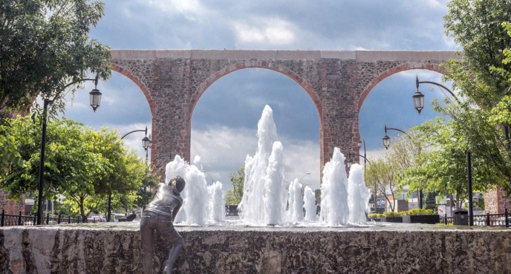 Querétaro amplía horarios y aforos en actividades económicas - Acueducto de Querétaro arcos