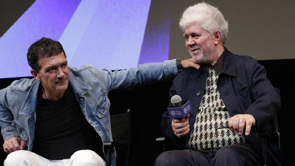 """Almodóvar y Banderas relatan en Nueva York su reencuentro en """"Dolor y Gloria"""" - Antonio Banderas y Pedro Almodovar. Foto de EFE"""
