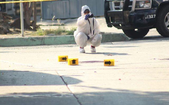 Homicidios dolosos en México; Guanajuato, el estado más violento - Peritos trabajando en la zona de Antonio Barona, en Cuernavaca. Foto de @InformaBalancan