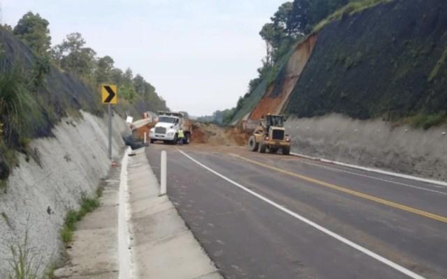 Derrumbe provoca cierre de la autopista Toluca-Zitácuaro - Foto de @josecal84645843