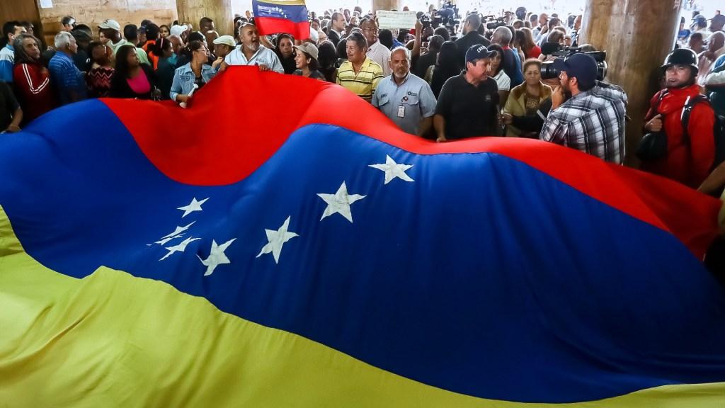 Bandera de Venezuela. Foto de EFE