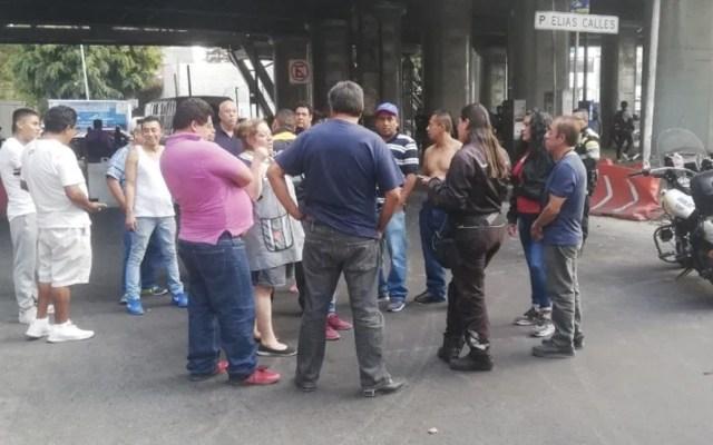 Vecinos bloquean Francisco del Paso y Troncoso por falta de agua - Foto de Iztacalco News