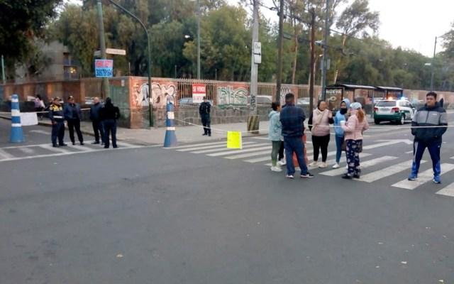 Continúa bloqueo en Calzada de la Viga por falta de agua - Bloquean Calzada de la Viga por falta de agua