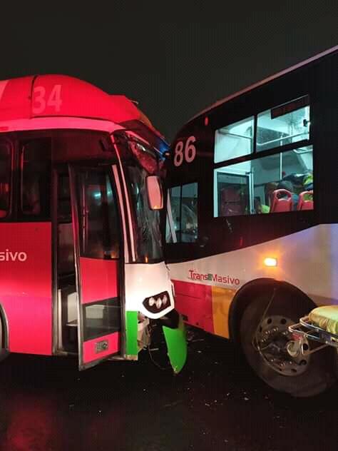 Choque de unidades del Mexibús en la Línea 1. Foto de @CoordinacionDM