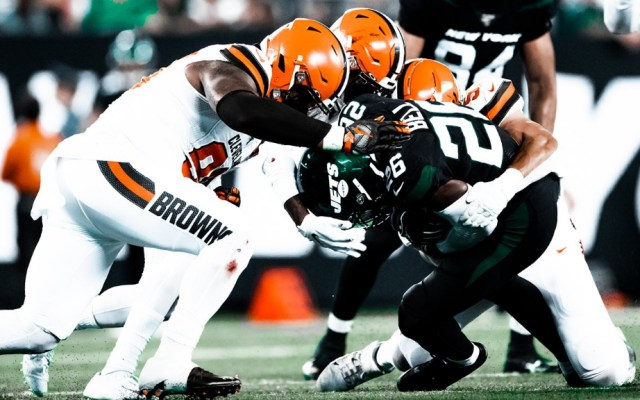 Browns dominan a unos inoperantes Jets - Cleveland Browns Jets Nueva York NFL 2
