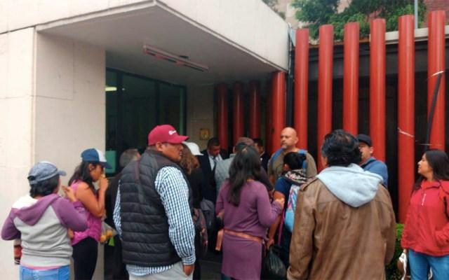 CNTE bloquea accesos de la Cámara de Diputados - cnte bloquea accesos a la cámara de diputados