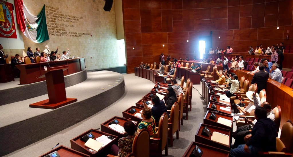 Congresos estales cuestan mucho y gastan más de lo planeado: IMCO - Congreso de Oaxaca. Foto de Libertad-Oaxaca
