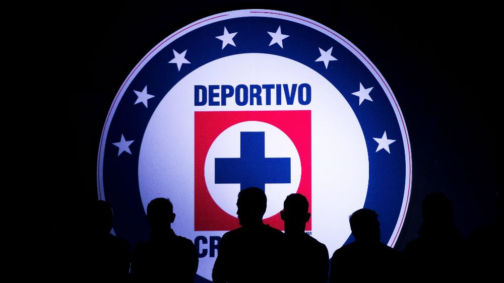 Cruz Azul anuncia a Passerini y Castro como nuevos refuerzos - Cruz Azul escudo