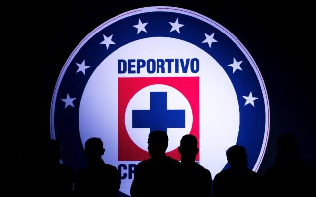 Cruz Azul invertiría 300 mdd en nuevo estadio: alcalde de Tlalnepantla - Cruz Azul escudo