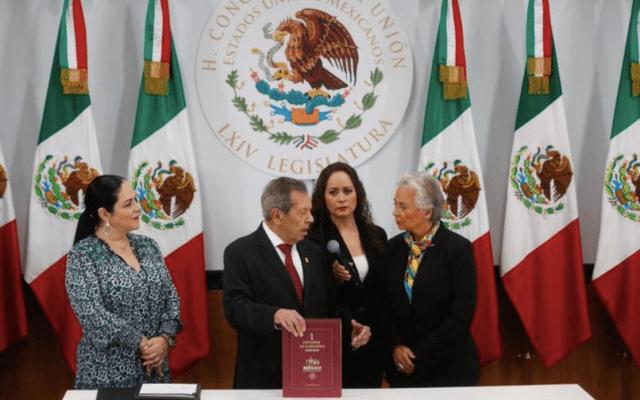 Entrega Sánchez Cordero informe al Congreso; AMLO no presenta iniciativa de trámite preferente - Foto de @NoticiaCongreso