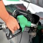 Gasolina alcanza precio histórico de 25.50 pesos por litro; Nahle promete que se pondrá orden