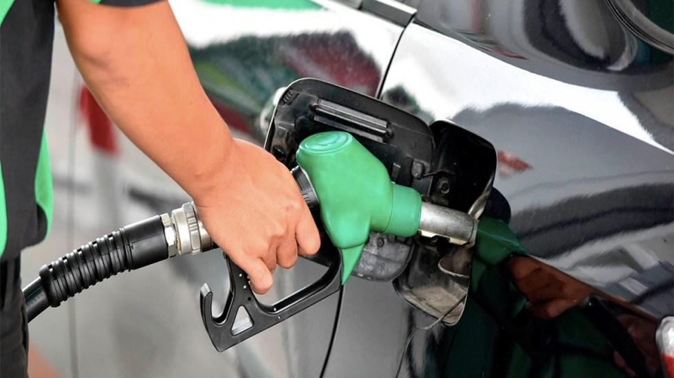 Hacienda aumenta estímulo fiscal a combustibles para reducir costo por litro - Estación de gasolina en México