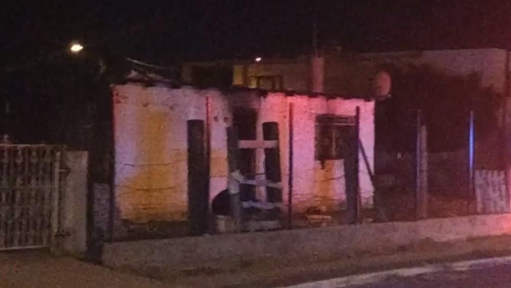 Fuego extinguido de casa en Empalme. Foto de @TelevisaSON