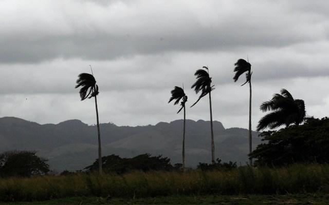 Bahamas cierra aeropuertos por tormenta tropical Humberto - Tormenta tropical Humberto