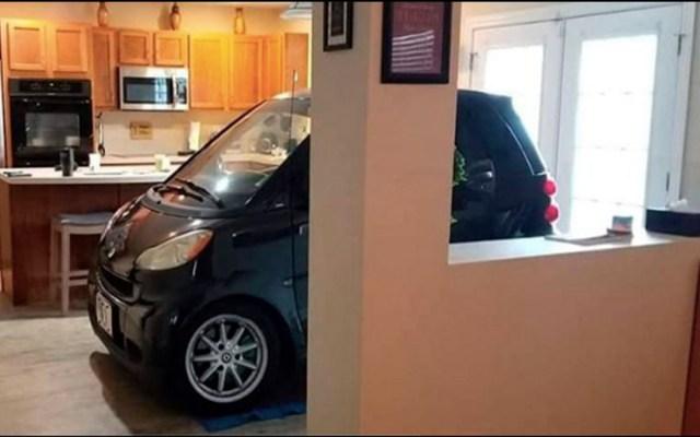 Hombre guarda su automóvil en la cocina para protegerlo de Dorian - huracán dorian smart florida