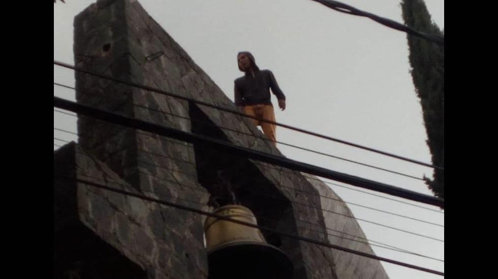 #Video Hombre intenta saltar de campanario de iglesia en la Magdalena Contreras - Iglesia hombre magdalena contreras